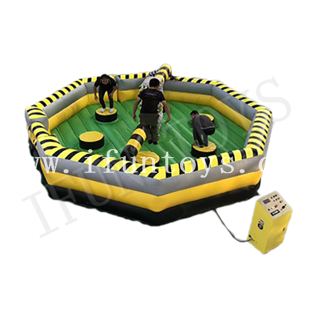 Interactive Inflatable Meltdown Challenge Last Man Standing Game / Wipeout Jump