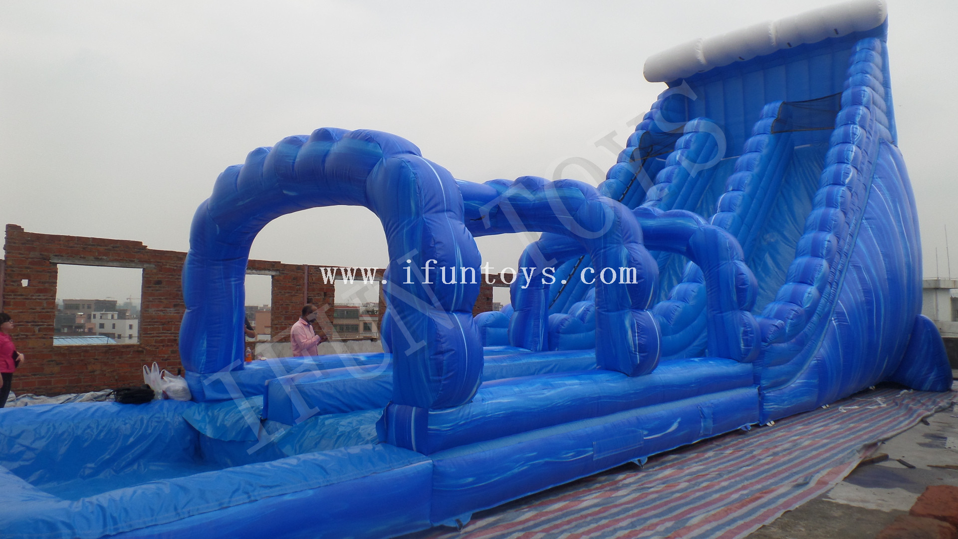 Blue Crash Inflatable Water Slide / Inflatable Water Slide with Swimming Pool for Kids